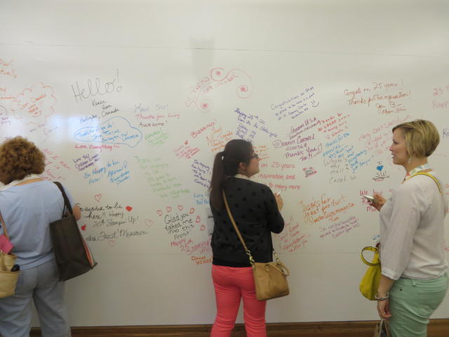 Writing messages in the Idea Room