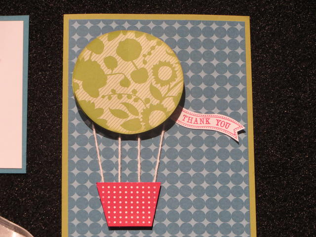 Make an easy hot air balloon card!