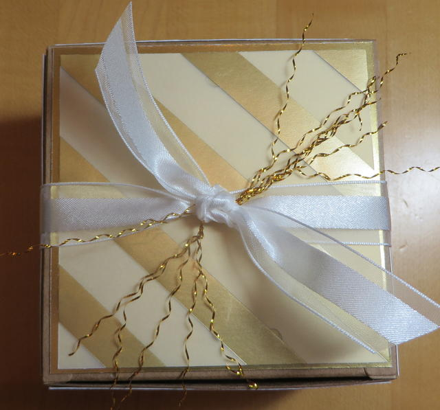 Gold Gift Box Top with Gold Frizzle
