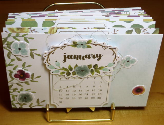 Paper Pumpkin December 2015 Kit Calendar in Stand