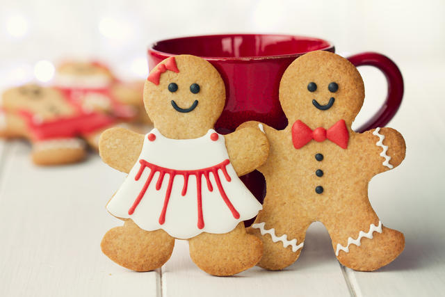 Gingerbread man and woman for Christmas holidays