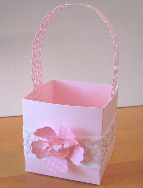 Lace Ribbon Border Punch Basket